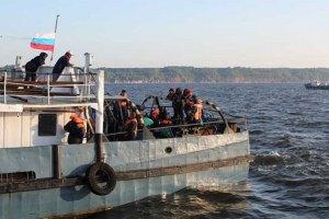 """Водолазы извлекли из воды тела 90 пассажиров """"Булгарии"""""""
