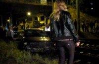 В Киеве пьяные девушки на автомобиле Audi S3 едва не попали под поезд