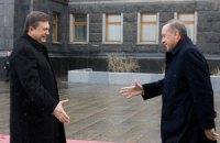 Янукович нашел желающего приехать на Ялтинский саммит