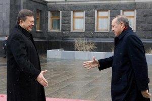 Янукович знайшов бажаючого приїхати на Ялтинський саміт