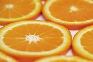 Цены на апельсиновый сок взлетели до максимума за последние 34 года