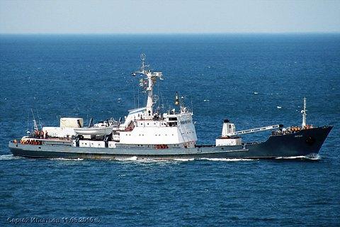 В Черном море потерпел крушение корабль ВМФ РФ, экипаж спасли (Обновлено)