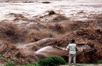 В Индии разыскивают тела жертв сильного наводнения