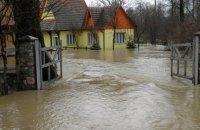 Через паводок на Закарпатті підтоплено 800 дворів (оновлено)