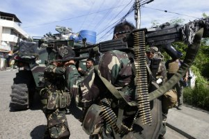 Филиппинские повстанцы атаковали колонну с гуманитарной помощью