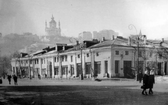 Гостиный двор в 1946 году.