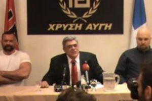 Греческие журналисты отказались приветствовать политика