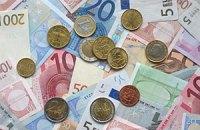 Евро слегка упал на межбанке