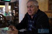 Российские силовики провели обыск в доме и кафе крымскотатарского активиста Ильвера Аметова