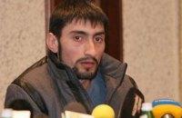 """Антимайданівця """"Топаза"""" зняли з поїзда для приводу в суд, - адвокат"""