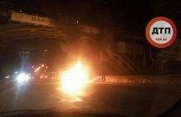 На Днепровской набережной в Киеве взорвался автомобиль (обновлено)