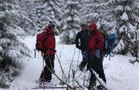 На Закарпатті під час катання на лижах заблукав турист