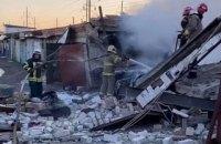 В Киеве в гаражном кооперативе произошел пожар и взрыв, пострадал мужчина