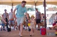 Госстат посчитал, в каком возрасте украинские мужчины чаще становятся отцами