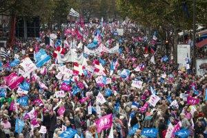 Во Франции прошли митинги сторонников и противников сексменьшинств