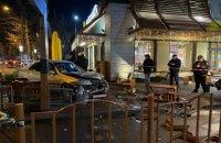В Одесі автомобіль в'їхав у McDonald's, постраждали двоє людей