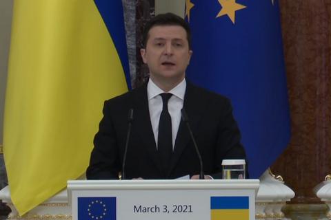 """Зеленский предложил ЕС присоединиться к """"Крымской платформе"""" новыми санкциями"""