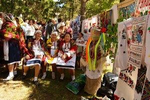 На Вінничині яблучного Спаса відзначили фестивалем народної вишивки