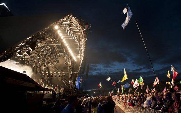 Виступ Arcade Fire на фестивалі Гластонбері в 2014