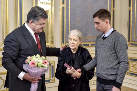 Вдова іменитого колекціонера подарувала Україні картини Малевича і Примаченко