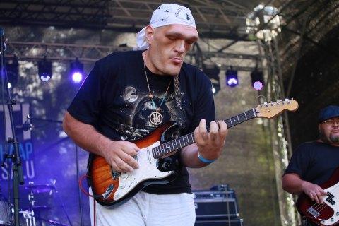 Украинский музыкант Иван Денисенко умер на фестивале в эстонском Хаапсалу