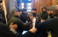 За напад на депутата Гусовського судитимуть 19 осіб