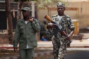 Французские солдаты вступили в наземный бой в Мали