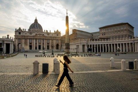 Ватикан запроваджує COVID-сертифікати для подорожуючих