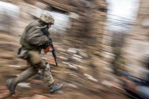 В течение дня боевики 10 раз открывали огонь на Донбассе, ранен украинский военный