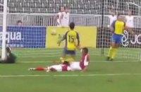 У чемпіонаті Китаю футболіст нокаутував свого партнера по команді за забитий гол