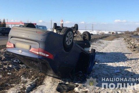 В ДТП возле Рогани перевернулись четыре автомобиля, погибла женщина-пешеход