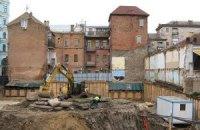 """В Десятинном переулке на месте княжеского дворца застройщики начинают возводить фундамент """"бетонного монстра"""""""