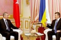 """Янукович и Эрдоган проводят встречу в формате """"с глазу на глаз"""""""