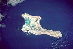 У острова Рождества затонуло судно со 105 нелегалами