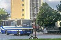 В Луцке мужчина со взрывчаткой захватил автобус с пассажирами (обновлено)