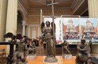 Суд запретил устанавливать стелу с ангелом в центре Харькова