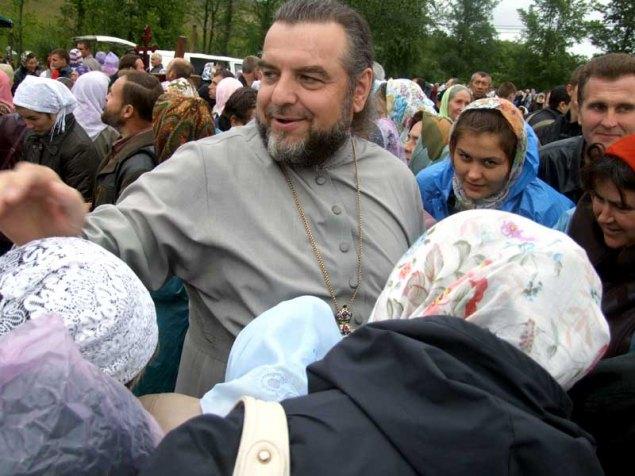 Митрополит Симеон (теперь ПЦУ) с прихожанами