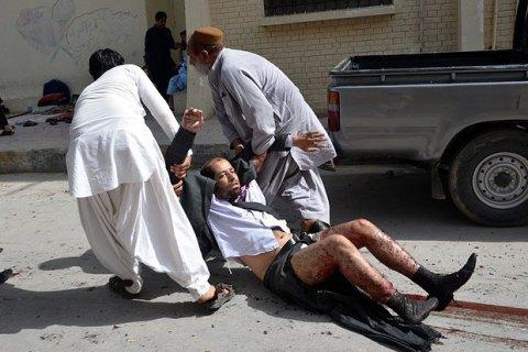 Під час вибуху придорожньої бомби в Пакистані постраждали 19 людей