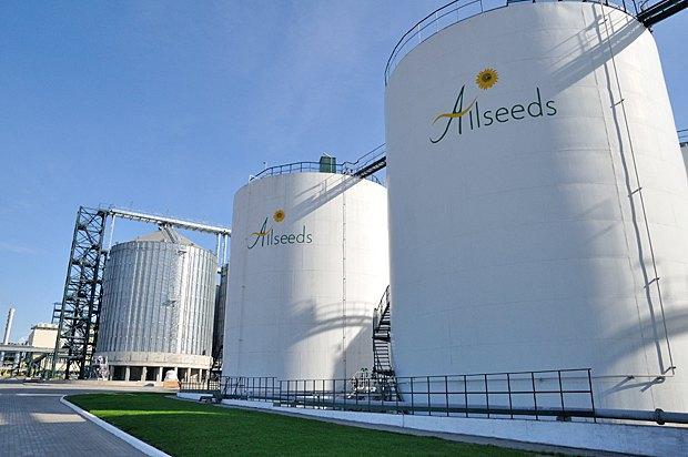 Маслоэкстракционный завод Allseeds в порту Южный.