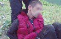 В Вишневом водитель сбил полицейского и провез его на капоте