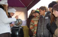 Героев ВОВ в Луганске угостят львовским шоколадом и кофе