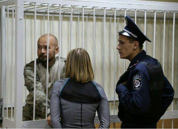 """Бійця""""Айдару"""" Андрія Ревуцького, що перевозив Малиша у Київ, було звільнено під заставу"""