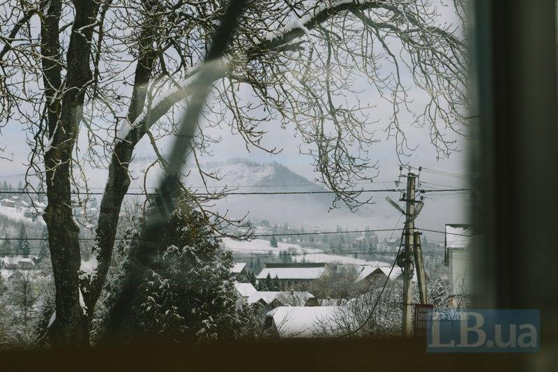 Вид з вікна будинку рятувальників