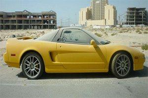 Обнаруженный под Дубаем брошенный спорткар продан за бесценок на запчасти