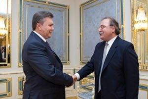 Янукович: сегодня в Украине будет день зрелищного футбола