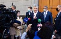 Слідство має бути задоволеним поясненням Порошенка у справі Медведчука, - адвокат