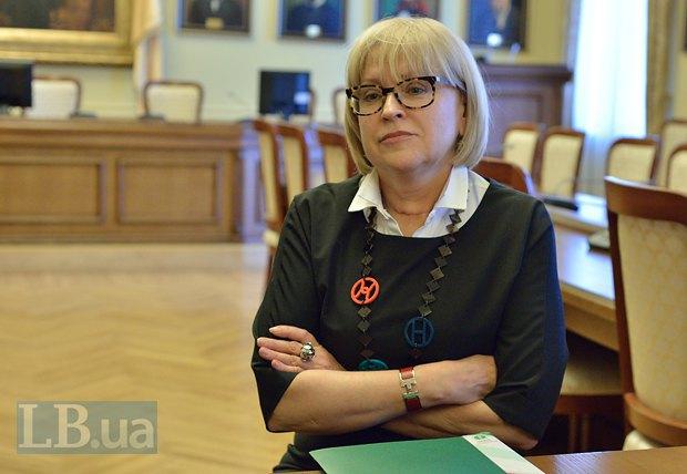 Фирменный критический взгляд Екатерины Амосовой