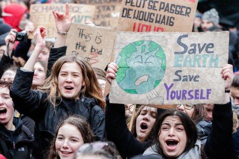 В Брюсселе около 70 тысяч людей требуют усилить борьбу с глобальным потеплением