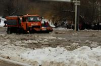 В Виннице затопило шоссе из-за прорыва водопровода
