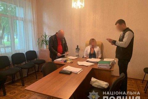 На Харківщині головна лікарка попалася на хабарі за висновок про непридатність призовника до служби